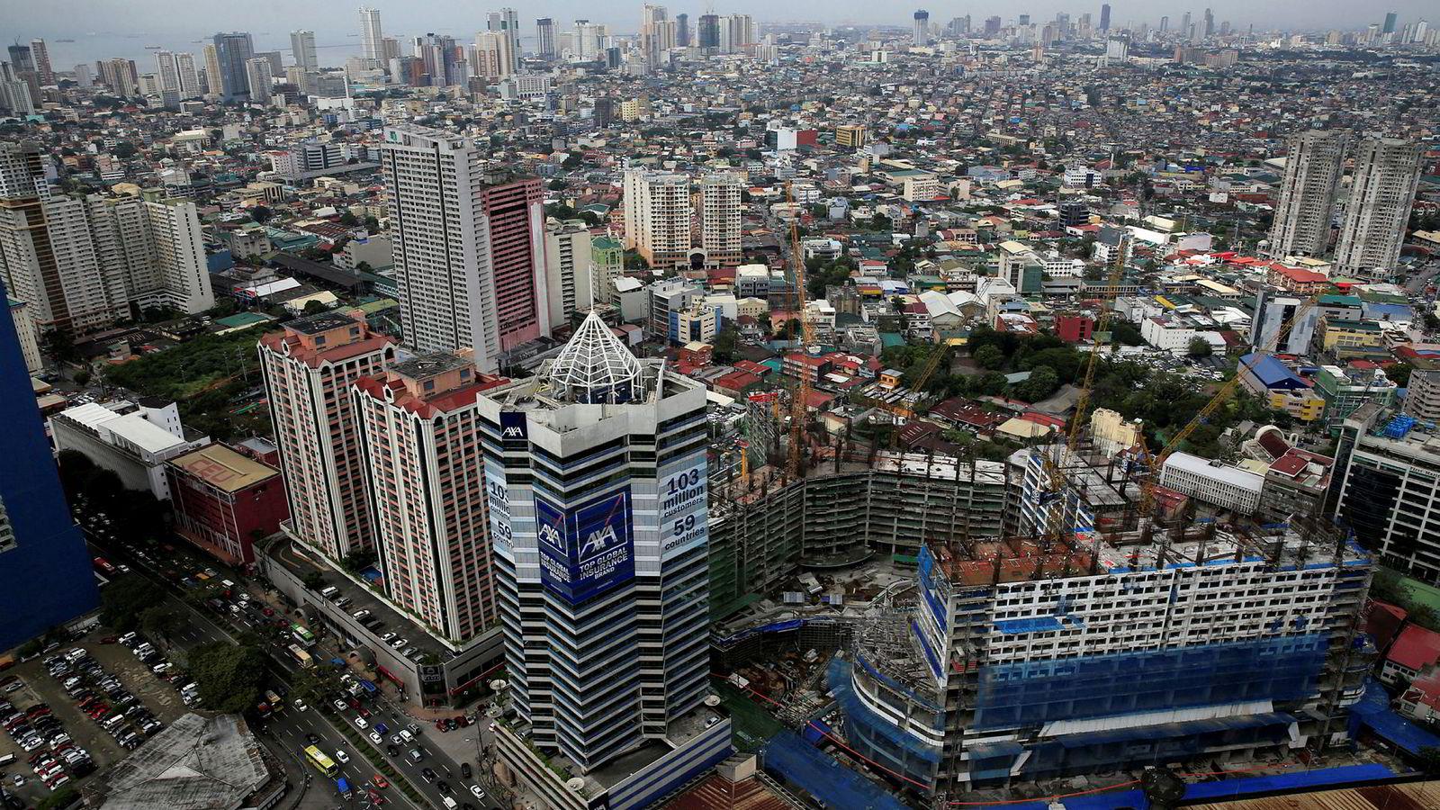 Den filippinske økonomien har en av verdens høyeste økonomiske vekstrater. I bydelen Makati i Manila er det høy aktivitet. Nå vil det meste av norsk eksport til Filippinene slippe unna importtoll.