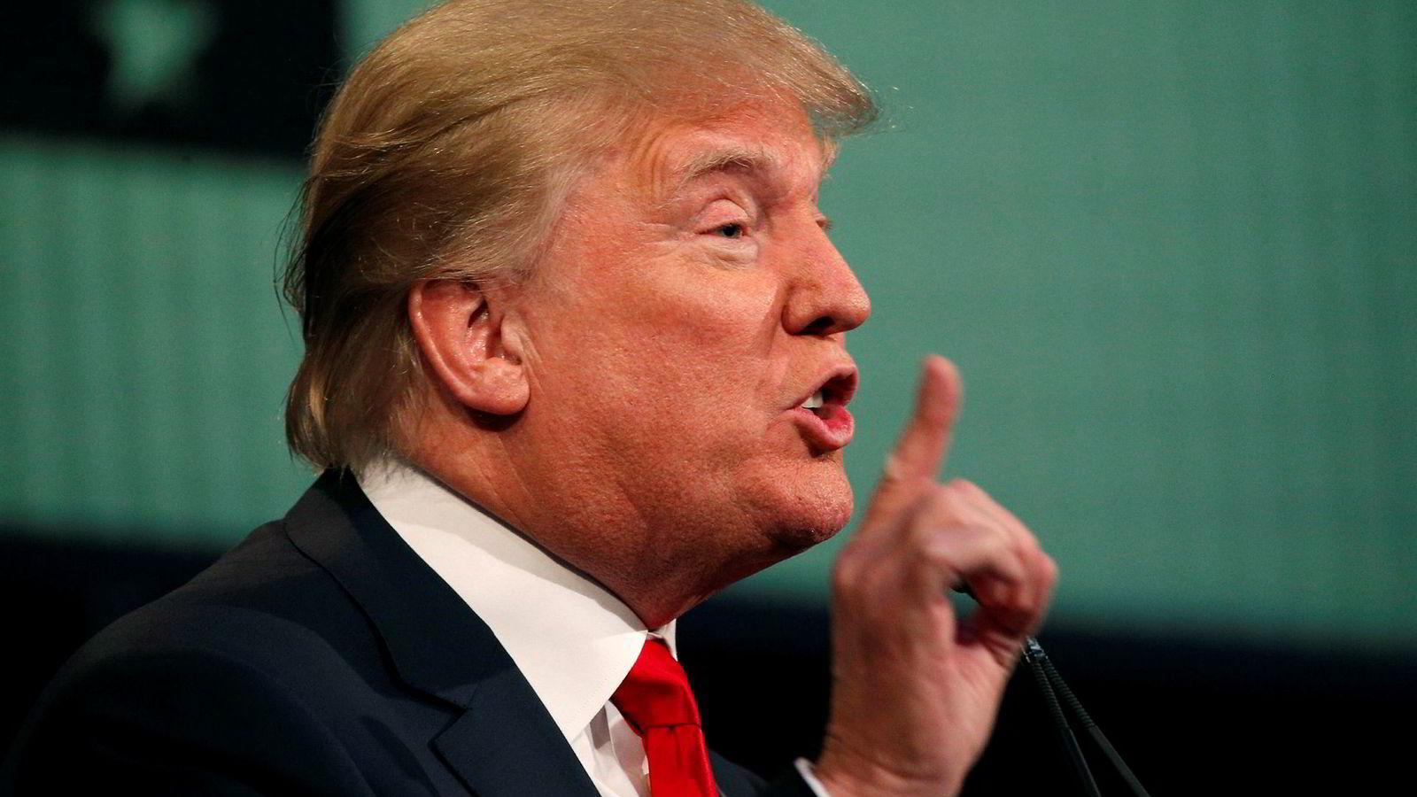 USAs president Donald Trump overgår seg selv på Twitter i en tirade mot Irans president Hassan Rouhani.