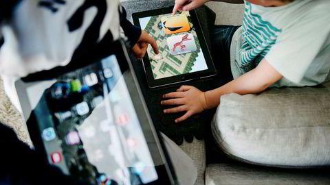 Når så du sist et barn lese «Skatten på sjørøverøya» i et venterom, på tog, eller på besøk i ditt kjedelige hjem? Foto: Fartein Rudjord