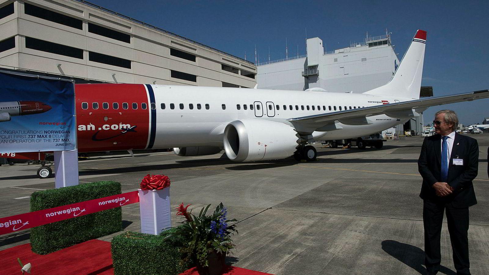 Konsernsjef Bjørn Kjos har sagt at Norwegian skal være lønnsom i år. Her fra da han hentet Norwegians første 737 Max på Boeing Delivery Center i Seattle i juni 2017.