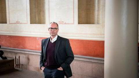 Jusprofessor Hans Petter Graver mener Siv Jensen ikke burde leid hytta.