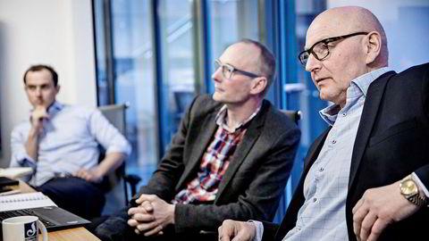 Schibsteds juridiske direktør Jacob Møller (lengst fra kamera) sier formuleringen om hvem som førte Snapsales aksjonæravtale i pennen var upresis. Her sammen med Rune Røsten i Schibsted Vekst og Didrik Munch i Schibsted Norge.