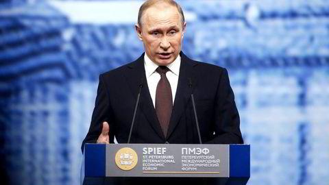 Russlands president Vladimir Putin er villig til å stanse luftangrep på den syriske byen Aleppo på ubestemt tid. Foto: Simon Dawson/Bloomberg/NTB Scanpix