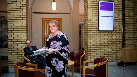 Kulturminister Trine Skei Grande (V) står sammen med næringsminister Torbjørn Røe Isaksen (H) bak forslaget til nye spilleregler i bokbransjen.