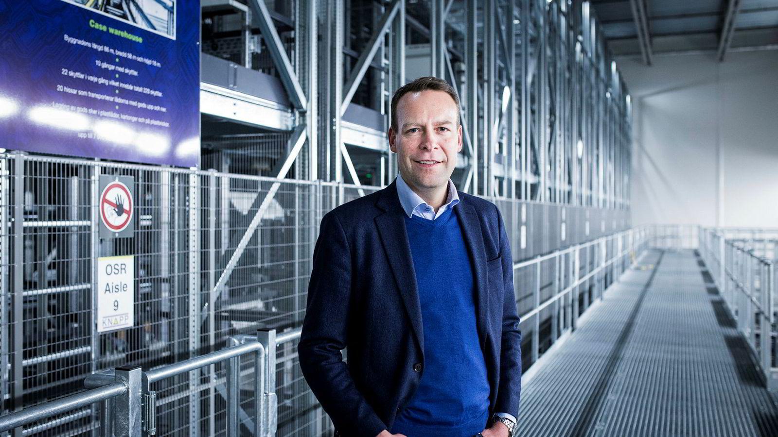 Ut fra sitt automatiserte lager her i Jönköping skal Elkjøps Jaan Ivar Semlitsch vinne nye markeder i de nordiske hovedstedene.
