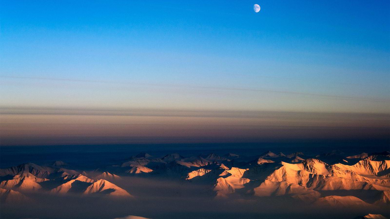 IS. Forskning har vist at det har vært is på Grønland uavbrutt de siste tre millioner år. Foto: NASA