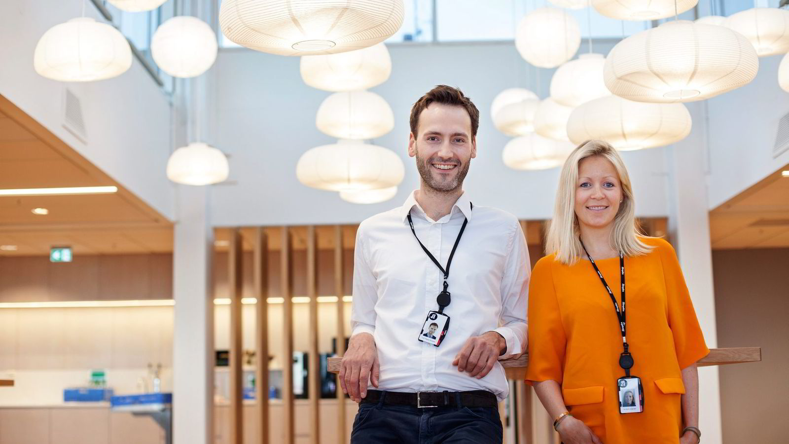 I Aftenposten Brand Studio har de akkurat ansatt tre nye medarbeidere, og ifølge innholdssjef Lars Magne Sunnanå, er det stor forespørsel etter innholdsmarkedsføring. Her er han med direktør for kreativt salg Ida Barth Anderssen.               Foto: