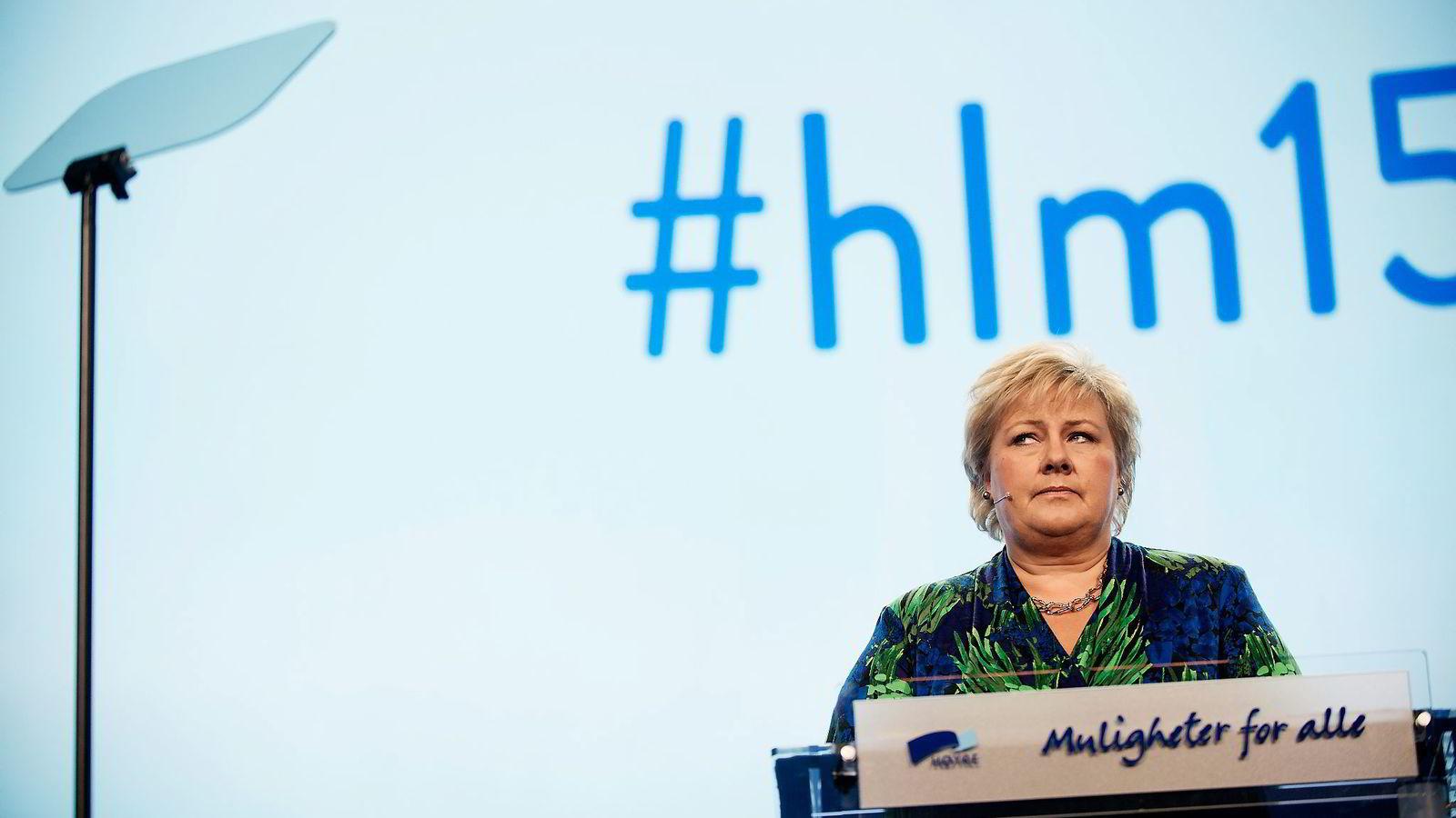 Denne uken er det Høyre som har landsmøte. Kanskje kan vi håpe på mer rettslig orientert regjeringshjelp her? Skriver Hege Skjeie. Her fra Erna Solbergs åpningstale igår.