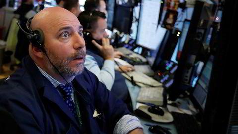 De amerikanske børsene faller markant tirsdag kveld, noe mange tror henger sammen med at rentekurven flater ut.