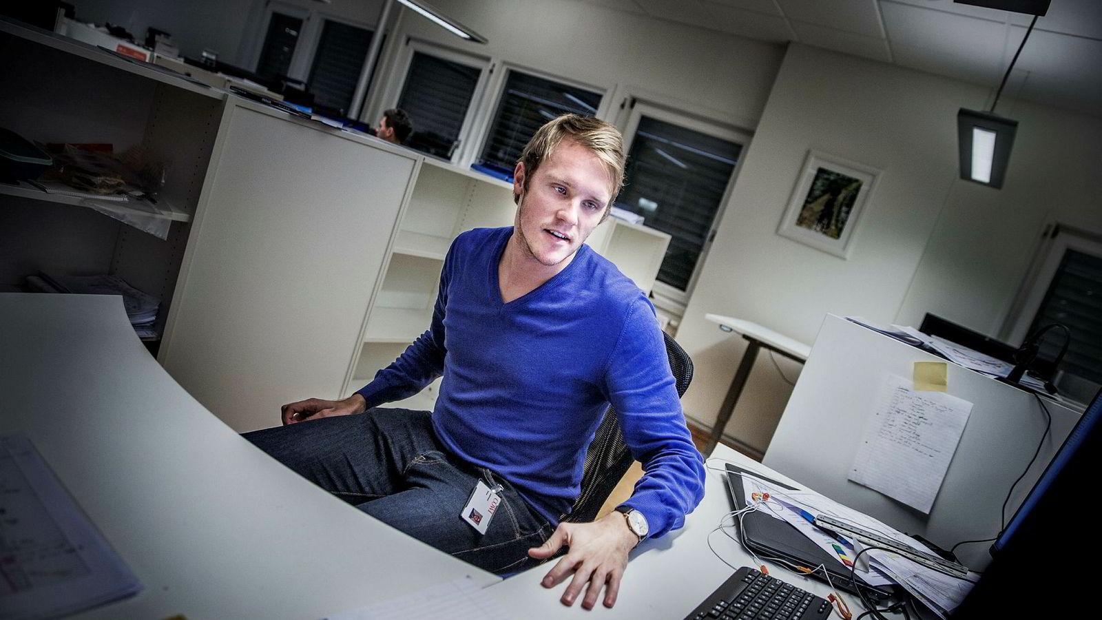 Sivilingeniør Simon Utseth Sandvåg (26) fikk merke det vanskelige arbeidsmarkedet da han var ferdig utdannet på NTNU i fjor, men fikk jobb i Cowi etter å ha tatt noen ekstra fag.