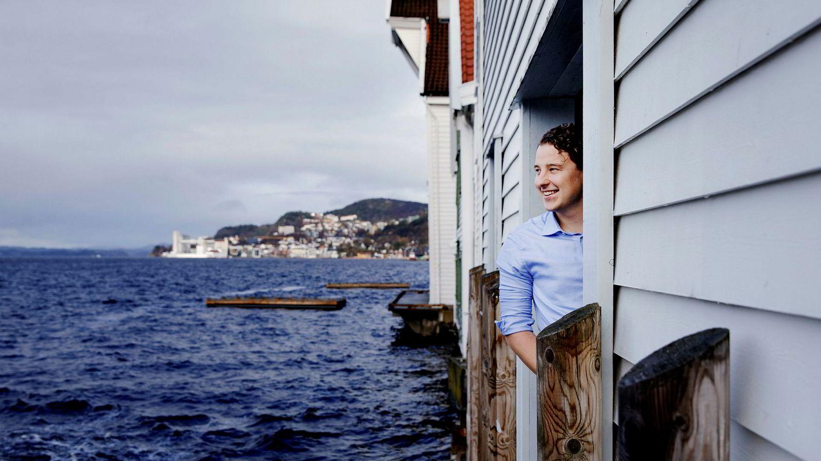 Som nyutdannet startet Erik Dalland et selskap som skulle tilby renholdstjenester via en egen digital plattform. Nå heter selskapet Freska og har hovedkontor i Bergen.