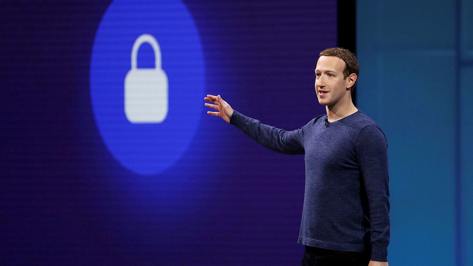 Facebook-sjef Mark Zuckerberg sa på selskapets utviklerkonferanse i april at han ønsket at det skulle bli like enkelt å sende penger som å sende et bilde. Nå lanserer han kryptovalutaen Libra.