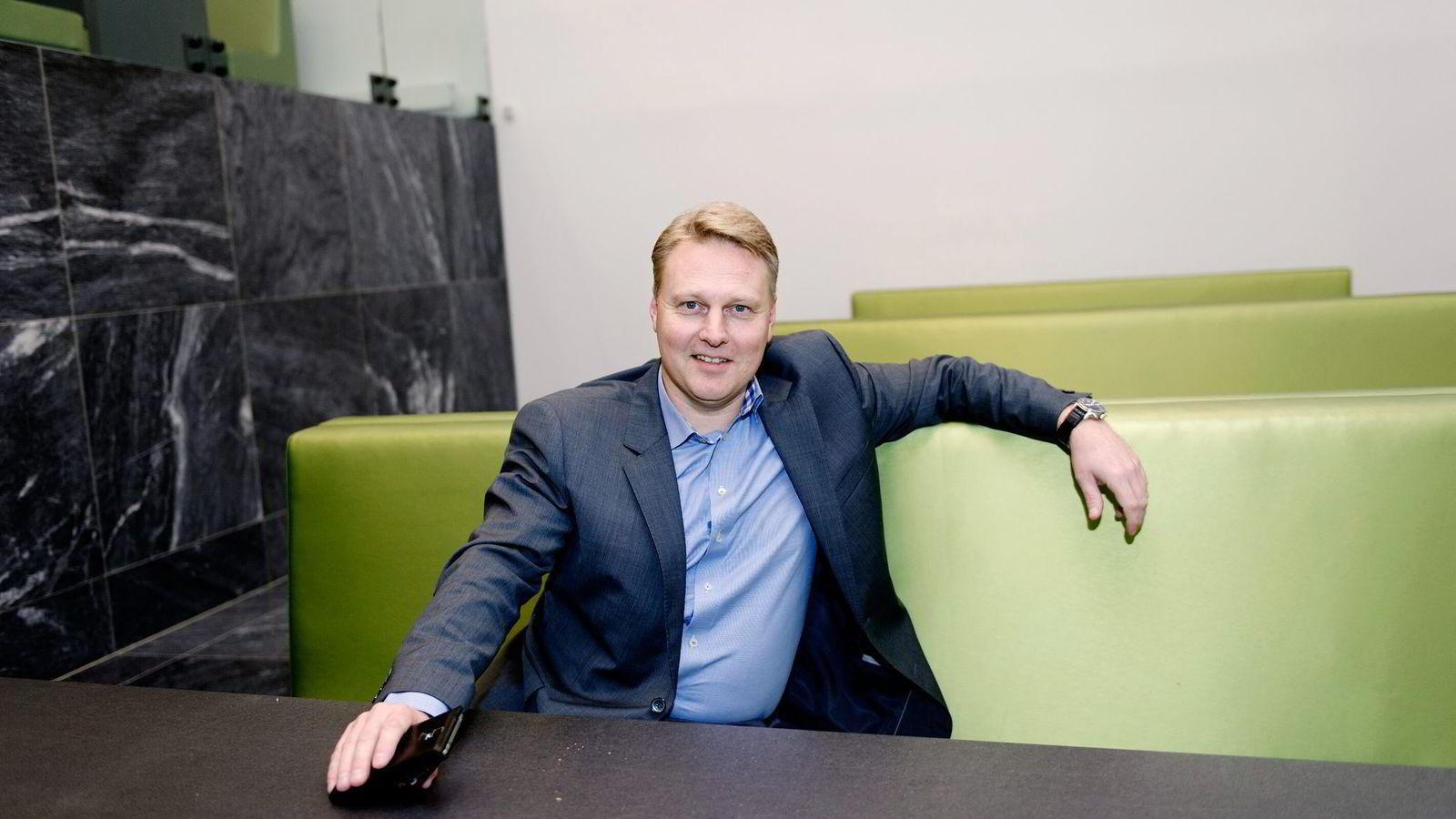 Konserndirektør Trond Bentestuen i DNB har senket fastrentene til historisk lave nivåer.