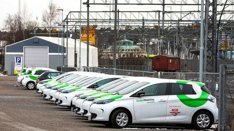 Vy lanserte i januar 250 elektriske bybiler i Oslo, som er på deling for alle som registrerer seg som brukere i appen Din Bybil, skriver artikkelforfatteren.