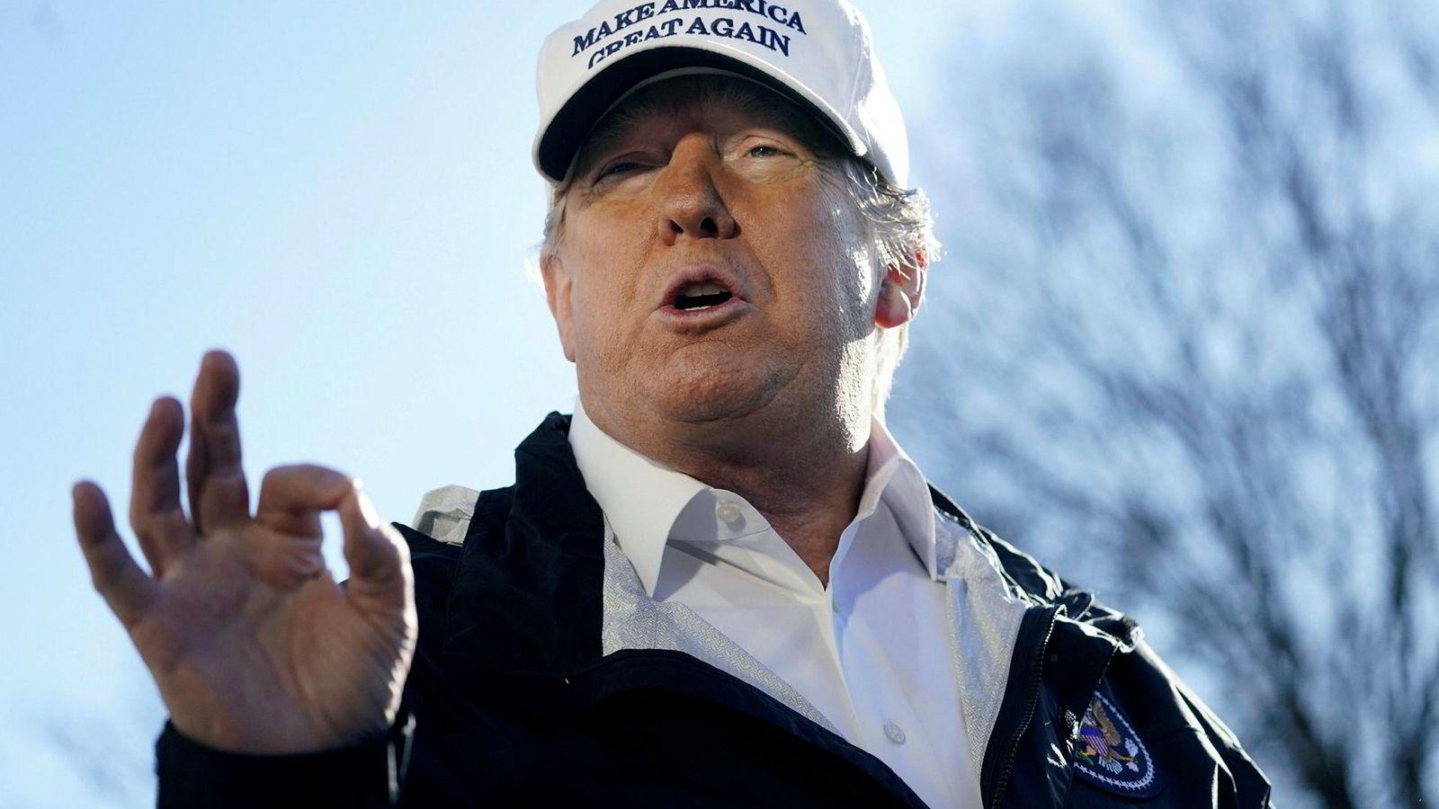 President Donald Trump ved avreise fra Washington til Texas for å skape blest om den påståtte krisen ved grensen til Mexico.