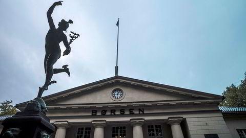 Kun tre av ti private aksjonærer på Oslo Børs er kvinner. Selv statuen utenfor er en mann – guden for handel, Mercur.