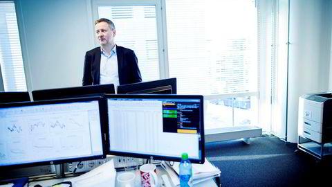 Sjeføkonom Frank Jullum i Danske Bank er skråsikker på at Norges Bank setter opp renten denne uken. Deretter kommer de to rentehopp til før et år har gått, tror han.