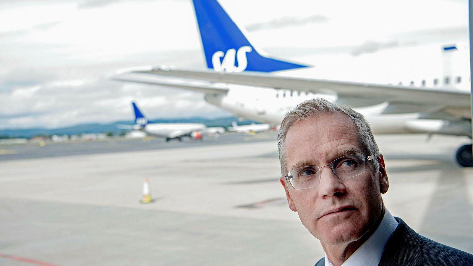 SAS-sjef Rickard Gustafson fikk en lønnsøkning på 25 prosent i 2016. Nå vil pilotene ha sitt.