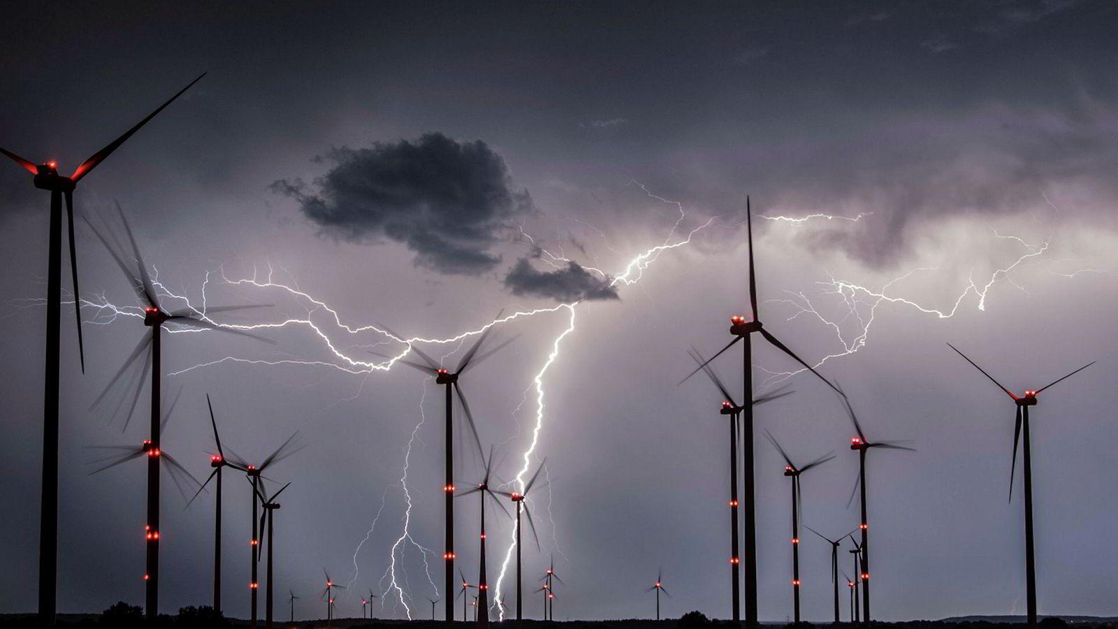 I forrige uke kom det nyheter om at Tyskland vurderte å la landets statlige Energi og Klimafond utstede «grønne obligasjoner» for å øke fondets investeringskapasitet. Det er en spennende tanke.