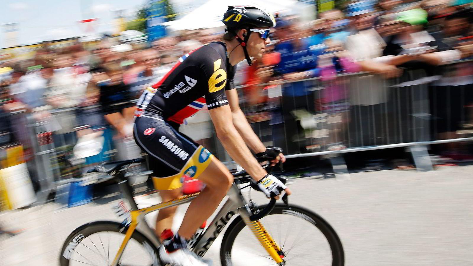 Edvald Boasson Hagen i mål som nummer fem i Cambrai etter 4. etappe i Tour de France tirsdag. Foto: Laurent Cipriani, AP/NTB Scanpix