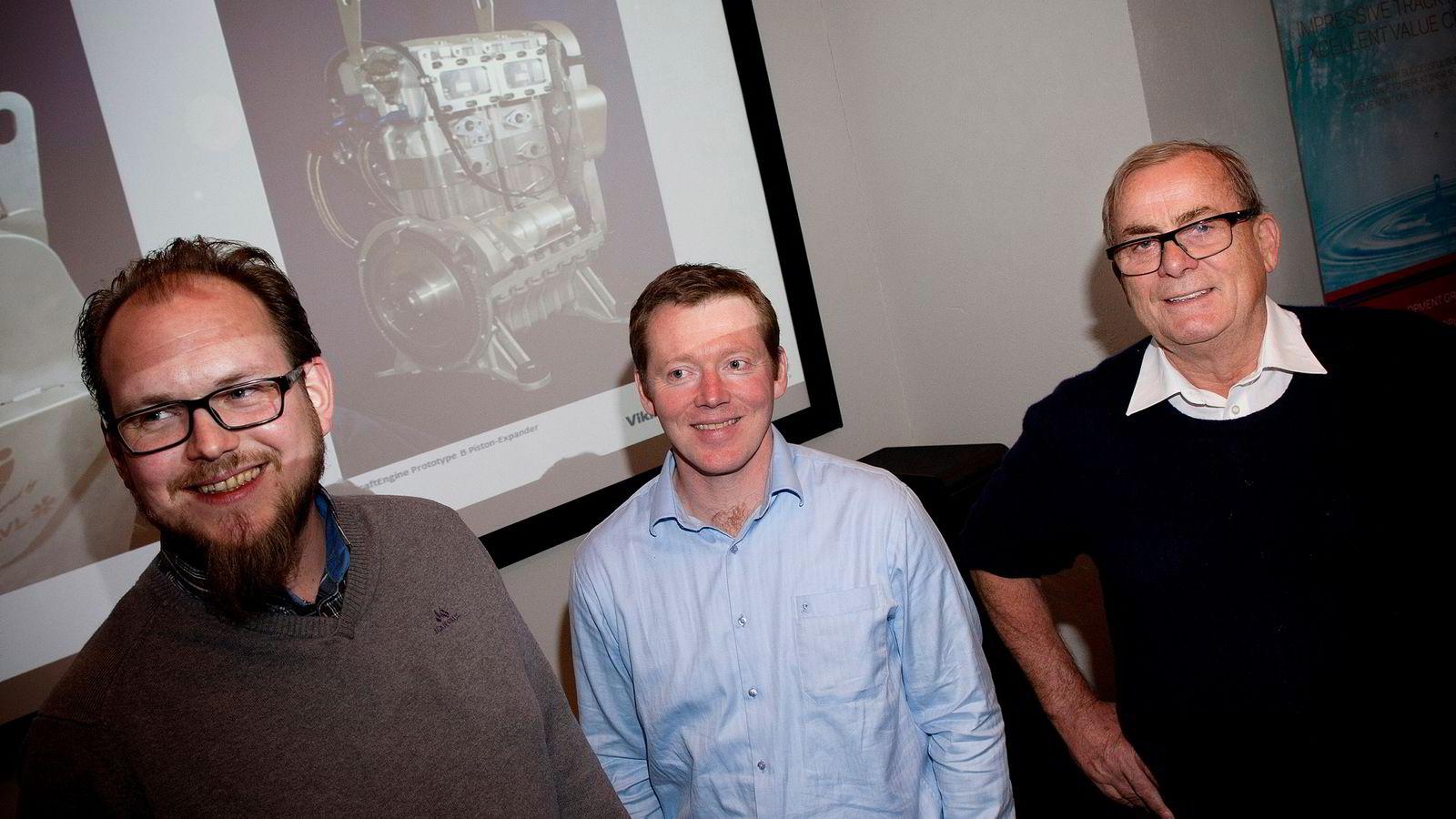 100 MILLIONER FRA ANDRESEN.  Oppfinner Harald Nes Rislå (til venstre), daglig leder Tor Hodne og gründer og storeier Tore Hansen-Tangen i Viking Heat Engines i Kristiansand. Foto:
