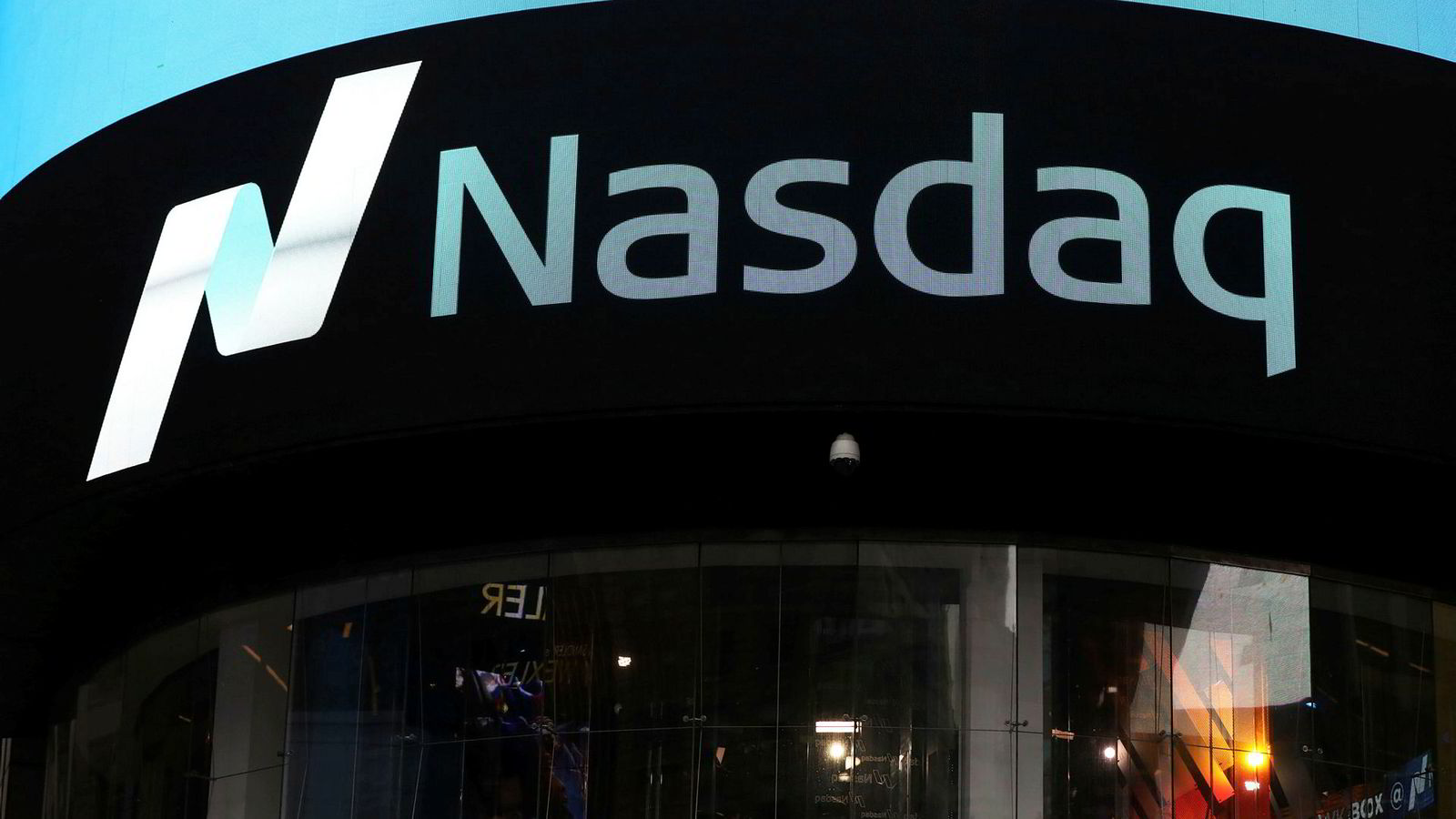 Råvarebørsen Nasdaq og dets medlemmer tapte nær 1,1 milliarder kroner på tvangssalget av kraftposisjonene til Einar Aas. Foto: Shannon Stapleton/Reuters/NTB Scanpix