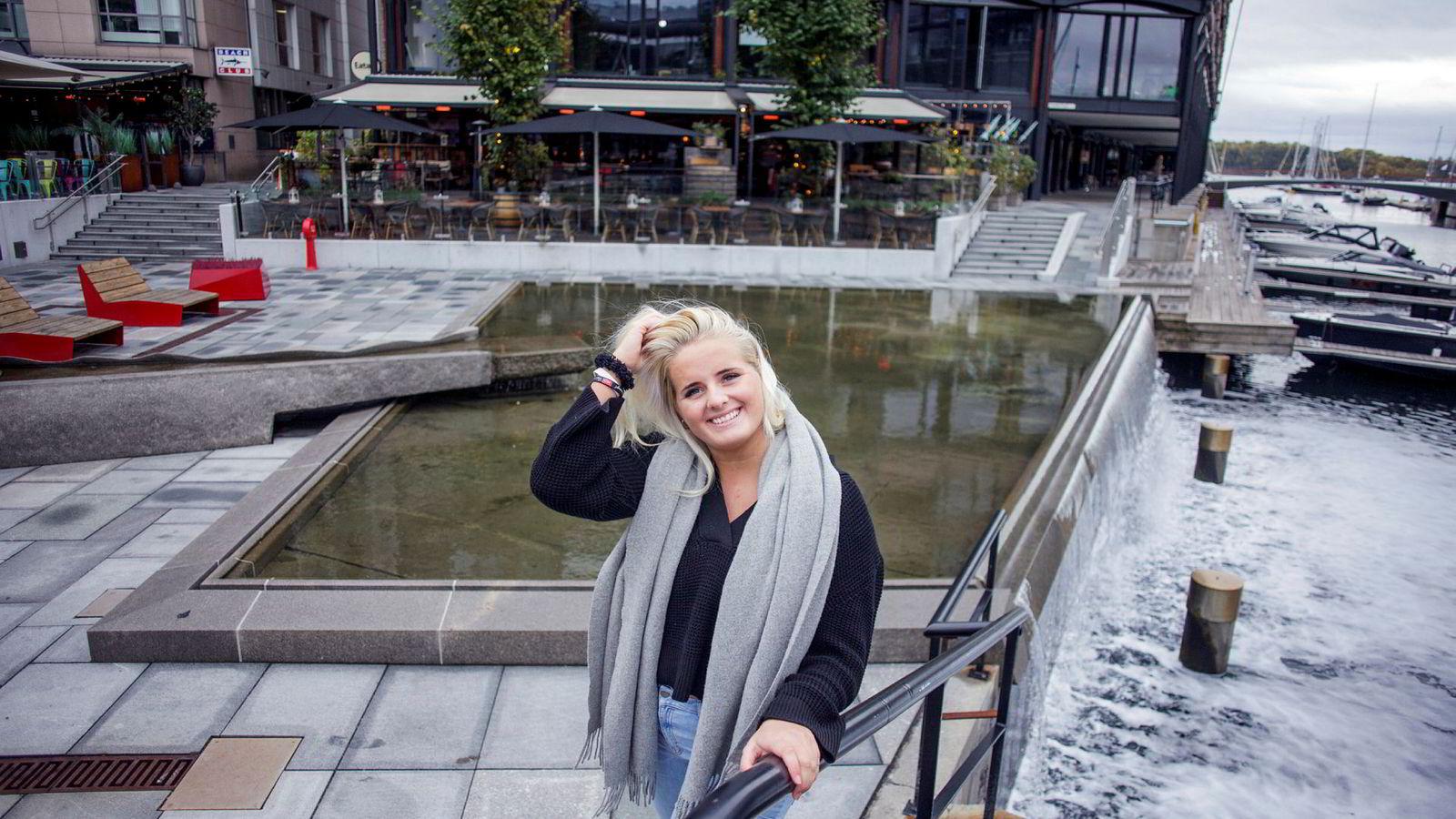 Blogger Martine Halvorsen (20) gir i disse dager ut bok. Ukentlig har hun 100.000 unike lesere, og hun synes det er stas at det er stor interesse også rundt boken.