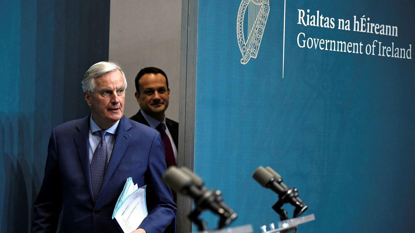 EUs brexitforhandler Michel Barnier kom med et klart budskap til britene etter møtet med Irlands statsminister Leo Varadkar i Dublin mandag.