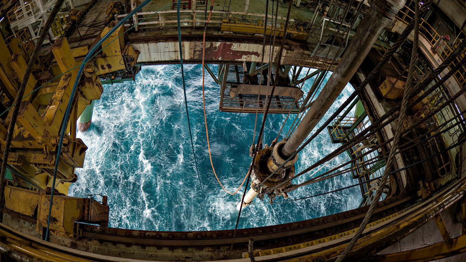 Det tidligere norske offshoreselskapet Ocean Rig blir kjøpt opp av Transocean. Ocean Rig-enheten «Leiv Eriksson», her fra Barentshavet der riggen drev avgrensningsboring for oljeselskapet Lundin i 2016.