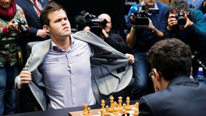 Sjakkekspert Inntar Magnus Carlsens Spillselskap Dn
