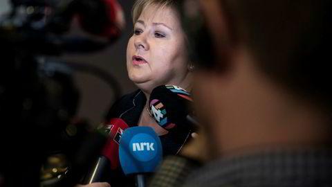 Kontroll- og konstitusjonskomiteens nestleder Svein Harberg (H) mener statsminister Erna Solberg nå har tatt nok selvkritikk i terrorsikringssaken.