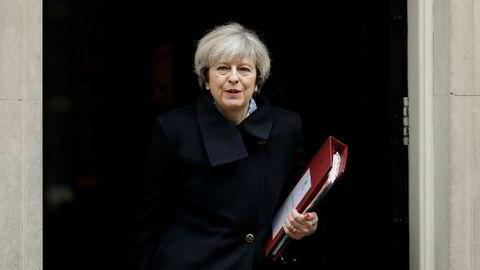 Statsminister Theresa May håper å kunne starte forhandlingene med EU innen slutten av mars.