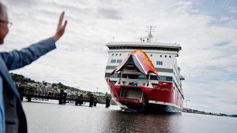 Fjord Line-sjef Ingvald Fardal ønsker fergen mellom Sandefjord og Strömstad velkommen. Selskapet venter en bedring i lønnsomheten når alle ruter er innarbeidet i markedet. Foto: Fartein Rudjord