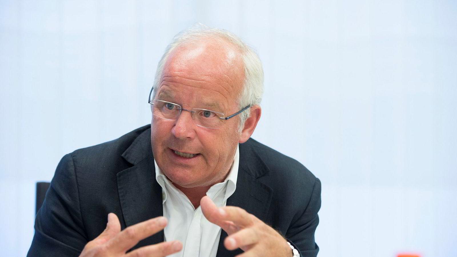 Tom Nysted gir seg som konsernsjef i Agder Energi uten å ha klart å slå sammen selskapet med andre regionale kraftselskaper. –Kanskje like greit, mener han nå.