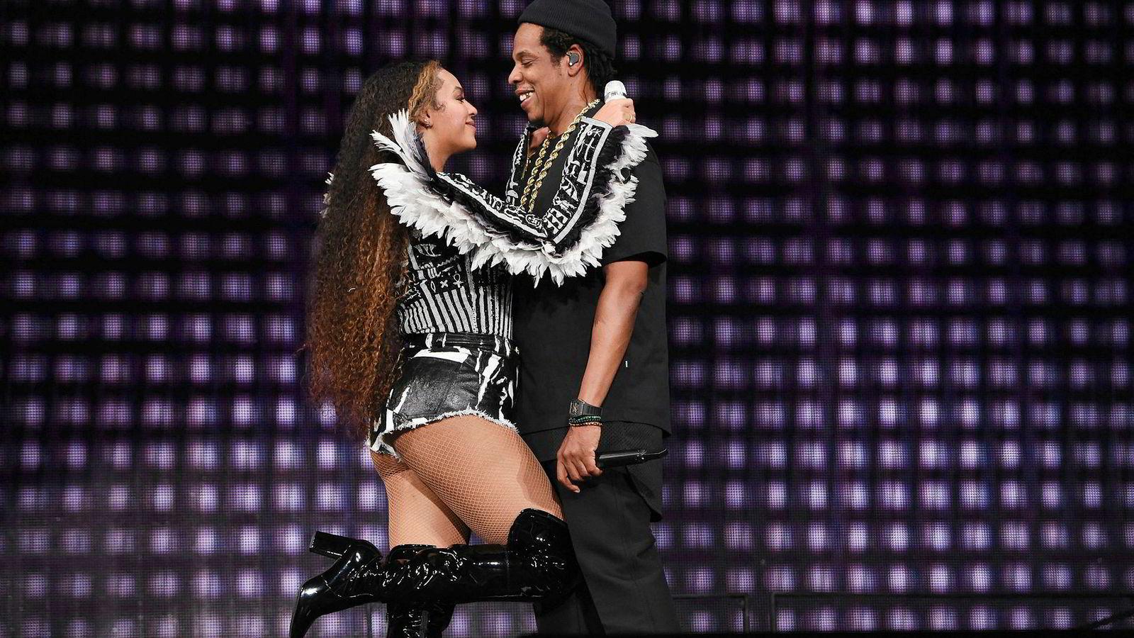 Jay Z gikk inn i Tidal på et tidspunkt da strømming for alvor fikk fotfeste i USA, men foreløpig har ikke investeringen kastet av seg. Her sammen med kona Beyoncé under Global Citizen Festival: Mandela 100 i Johannesburg i Sør-Afrika i desember 2018.