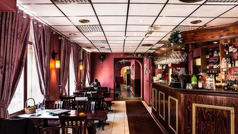 Glinsende polyester og umoderne estetikk blir nesten en del av sjarmen ved Taste of China i Torggata