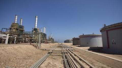 Nyheter om at Libya planlegger å starte opp igjen oljeeksporten fra en havn som lenge har vært stengt påvirker oljeprisen negativt. Foto: Ola Torkelsson