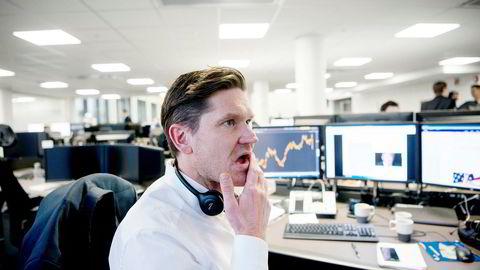 Sjeføkonom Kjetil Olsen i Nordea Markets mener investorene begynner å tvile på vekstutsiktene. Kombinert med stigende lange renter gir det lavere verdsettelse for vekstaksjer.