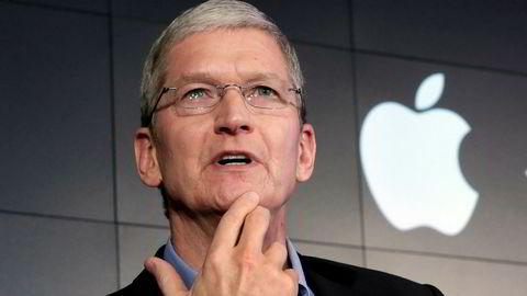 Apple og toppsjef Tim Cook har slitt i motvind den seneste tiden, og har måtte ta ned produksjonsforventningene til selskapets mobil-toppmodell. Nå slankes også staben innenfor bilprosjektet «Titan».