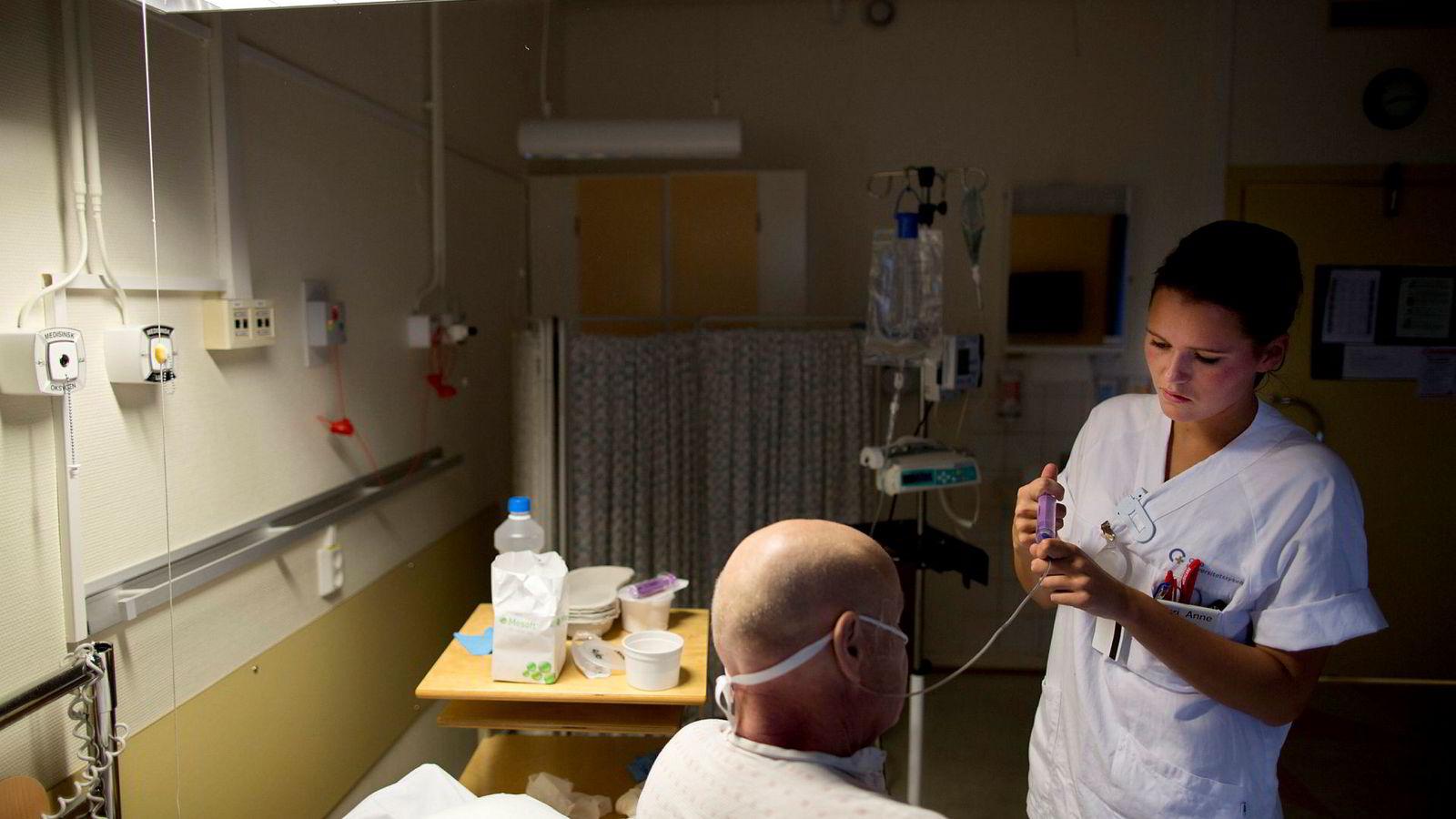Statens helsetilsyn ga i sommer en pasient rett til å få videreført en spesifikk kreftbehandling i den offentlige spesialisthelsetjenesten, til tross for at denne behandlingen av prioriteringshensyn ikke er en del av det offentlige helsetilbudet.