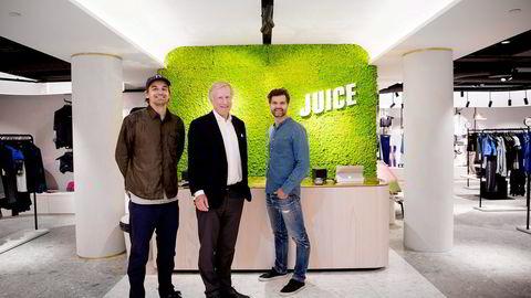 Daglig leder Mats Alver (til venstre) i Blender får med seg forretningsadvokat Carl Erik Krefting i satsingen på butikkdrift. Til høyre, Blender Retail-sjef Petter Gedde. Foto Mikaela Berg