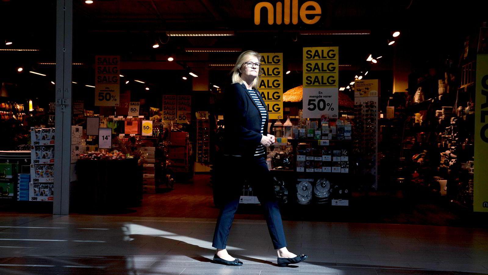 Toppsjef Kjersti Hobøl i Nille kjemper for overlevelse i et marked preget av tøff konkurranse.