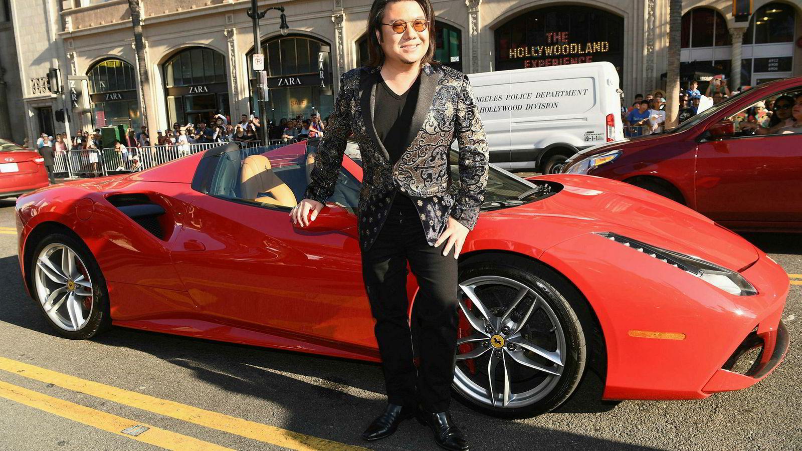 Det er store forventninger til filmen «Crazy Rich Asians», som hadde premiere i Asia og USA denne uken. Forfatter Kevin Kwan ønsket at filmen skulle vises på kino og sa nei til «crazy penger» fra Netflix. Her fra premieren i Hollywood.