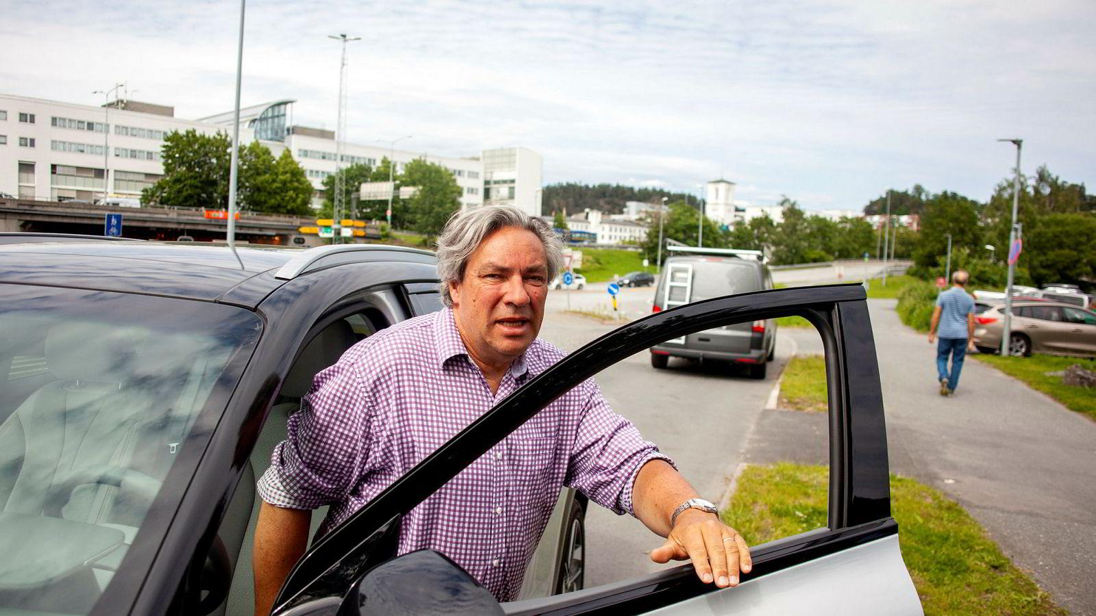 Leder Ulf Hafseld i Norsk Hydrogenbilforening (HYBIL) mener det er tragisk at det nå ikke finnes noe sted å fylle hydrogen for privatpersoner i Norge.