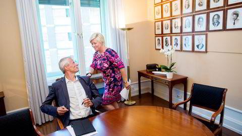 Skattedirektør Hans Christian Holte mener skattemoralen er i bedring, men ønsker seg flere virkemidler for å ta skattesnytere. Finansminister Siv Jensen (Frp) fastholder viktigheten av personvern. Foto: