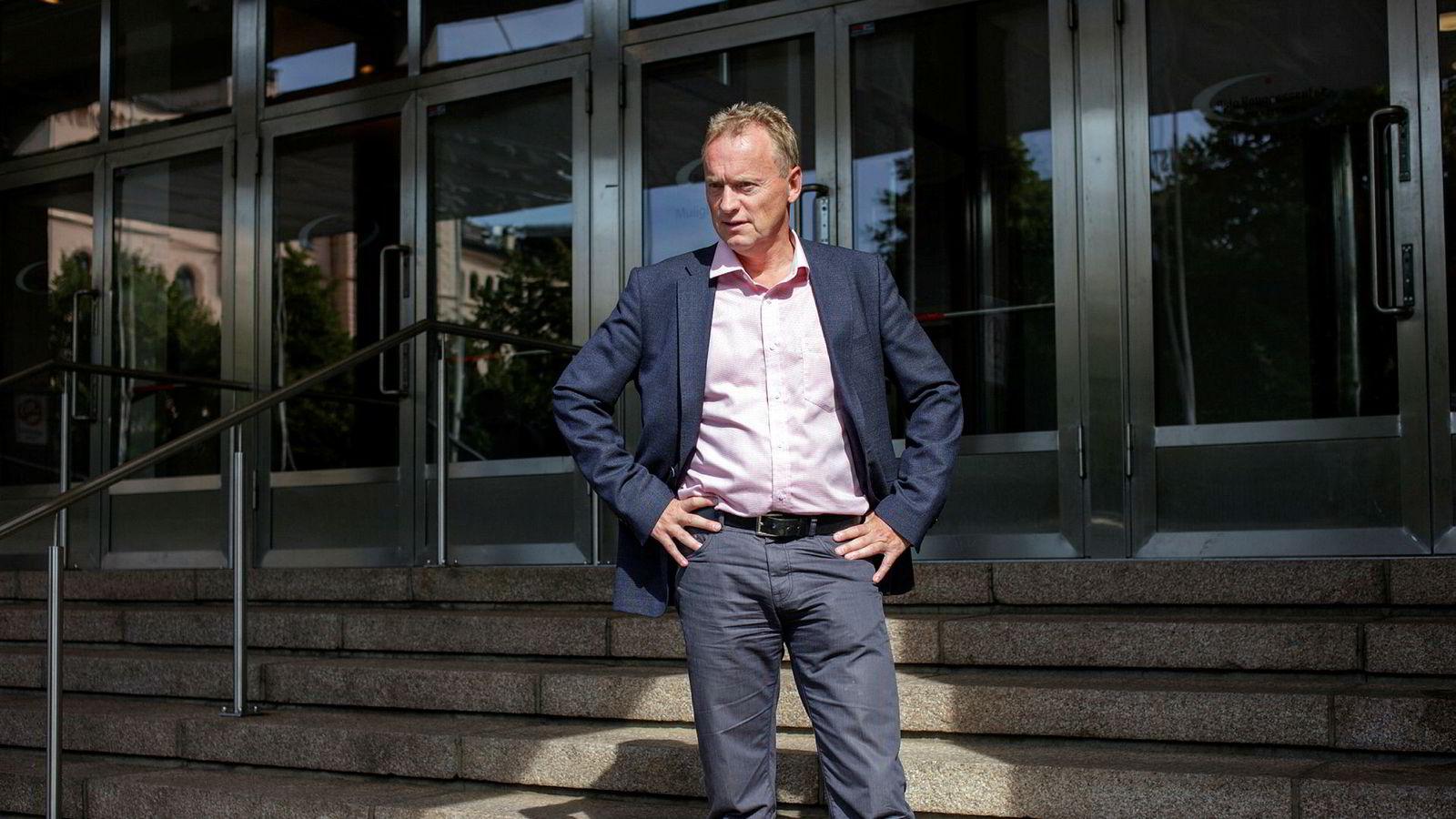 Byrådsleder Raymond Johansen (AP) konstaterer nå at det er dokumentert at Tollefsen gang på gang har brutt meldeplikten til Oslo kommune.