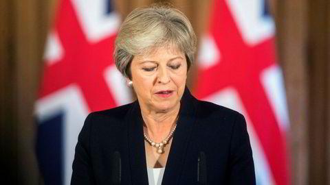 Statsminister Theresa May sier rettigheten for EU-borgere som bor og arbeider i Storbritannia i dag, skal beskyttes, men varsler ifølge anonyme kilder at EU-borgere som vil dra til landet for å arbeide etter brexit, stiller på lik linje med arbeidere fra andre land.