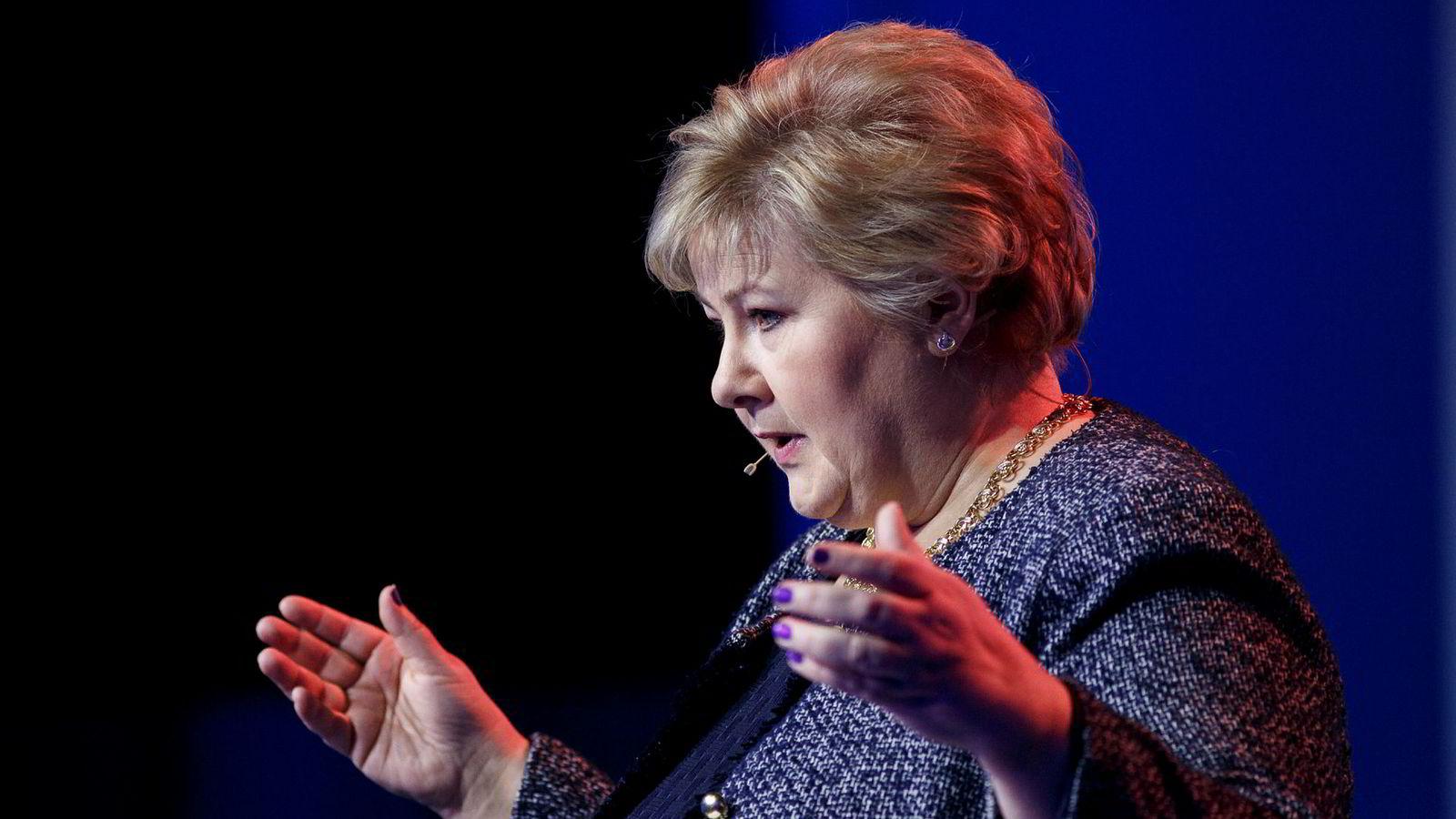Statsminister Erna Solberg ønsker Storbritannia hjertelig velkommen i EØS.