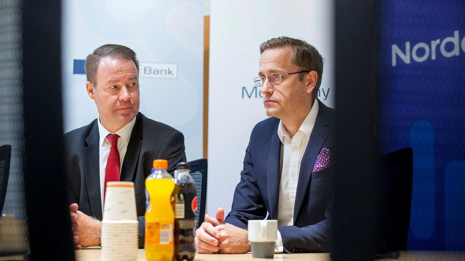 Danske Bank Norge- sjef Trond F. Mellingsæter (til venstre) og Nordea- direktør Snorre Storset har reagert mot kolleger i norske banker, og det endte med oppvaskmøte mandag morgen. De stiller seg ikke bak et brev fra bankenes felles organisasjon Finans Norge. Bildet er fra 2016.