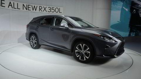 Nå kommer Lexus RX i lang utgave som gir plass til en ekstra seterad.